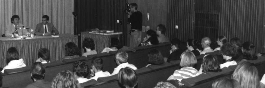 Hellmuth Karasek liest im Cinema am Ring. © Leipziger Messe/Hanzl