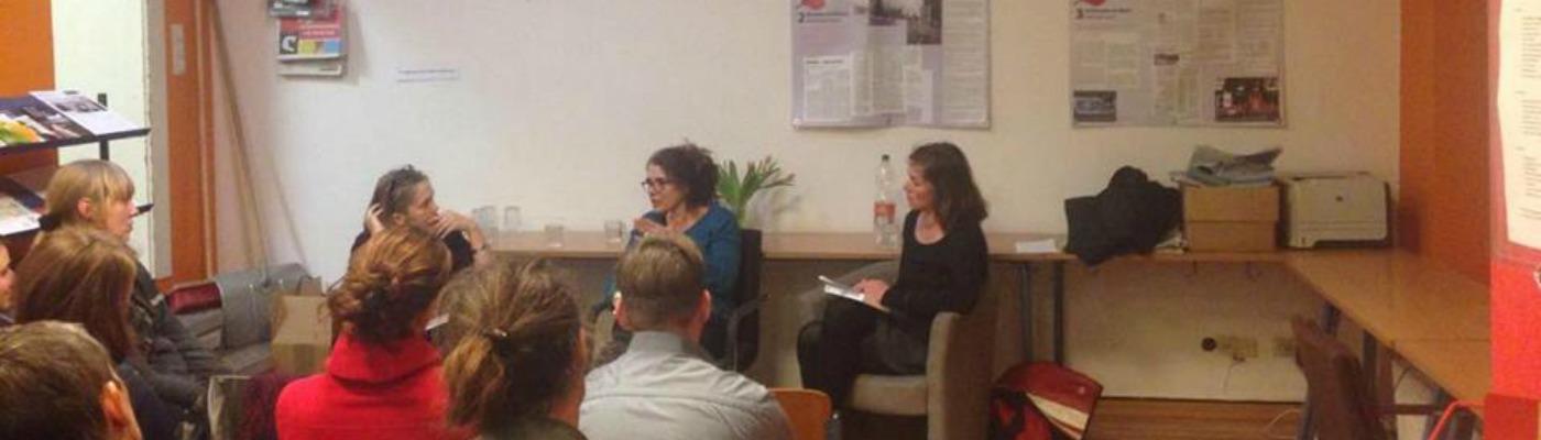 Heike Kleffner, Anna Spangenberg und Moderatorin Juliane Nagel (v.l.n.r.). © Laura Gerlach