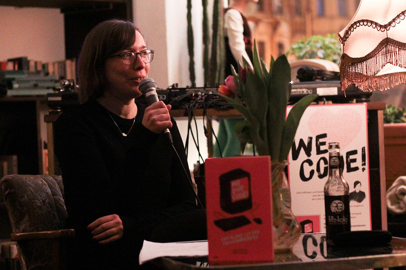 Natalie Sontopski spricht über die Liebe zum Programmieren. © Lina Hansen