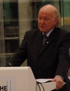 Klaus G. Saur vor vielen Zuhörern in der DNB. © Buchwissenschaft Universität Leipzig