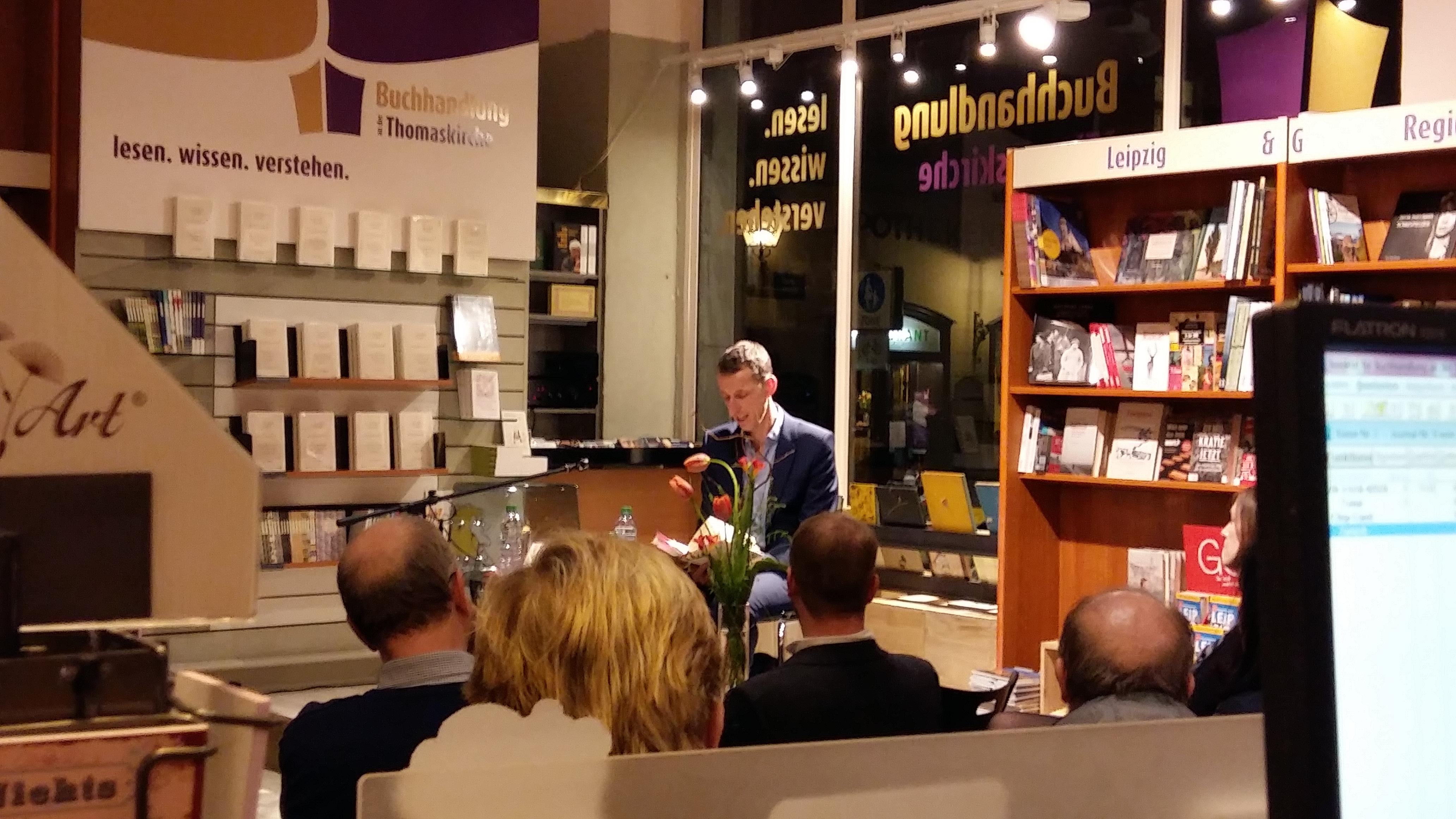 Christoph Ribbat liest aus »Im Restaurant«. © Isabel Schieck