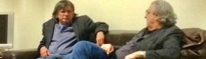 Tommy Schmidt (links) im Gespräch bei der Lesung. © Maximilian Plettenberg