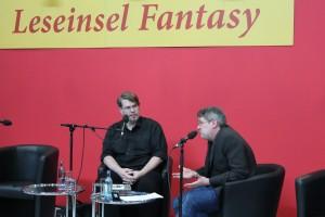 Markus Heitz (links) und Bastian Wierzioch (rechts) im Gespräch. © Chantal Schmidt