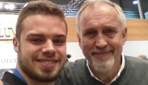 Unser Rezensent (links), Jussi Adler-Olsen (rechts) © Marcel Schwenk